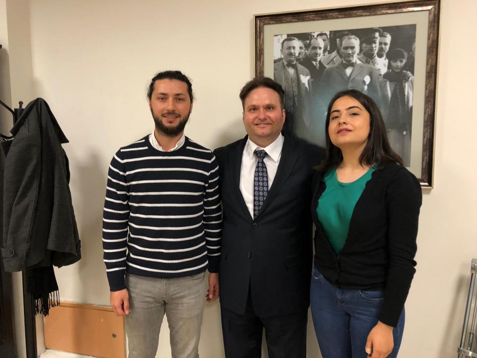 İstanbul Üniversitesi Hukuk Bölümü İstanbul Barosu İstanbul Üniversitesi Hukuk Kulübü Başkanı Sayın Muhammet ÇALİKÇİOĞLU & Erva ÇOLAK, Neuromarketing & Hukuk Eğitimini interaktif olarak gerçekleştirdik.